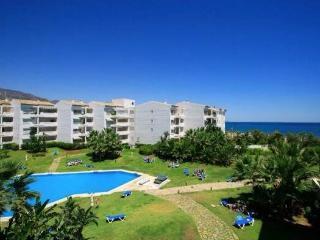 Beachside apartment inPuerto Banus