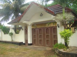 VILLA NEAR AIRPORT WHOLE FOR YOU, Stone Town
