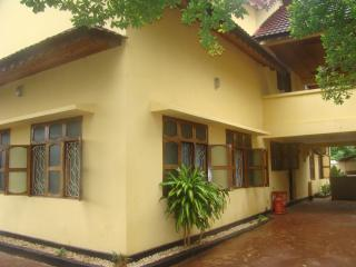 VILLA NEAR AIRPORT ROOM 1-2 p, Stone Town