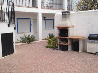 Large apart, sleeps 5, WIFI, shared pool, parking, Los Gallardos