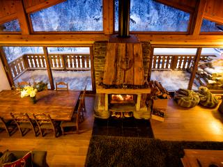Chalet Marron  spacious converted barn sleeping 8-12 people