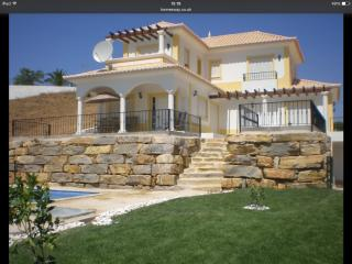 3 bed villa with pool sleeps 8 in rural location