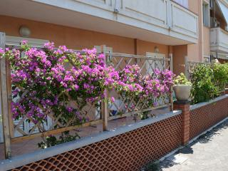 Apartment near Giardini Naxos sea, front of Etna