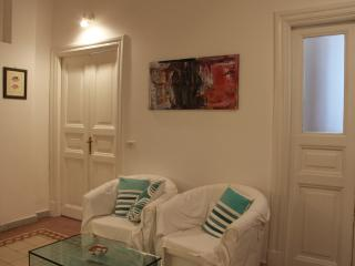 An Affordable 2 Bedrooms Flat near Porta Maggiore