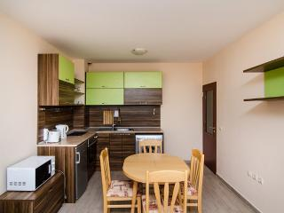 Family apartment near the Beach, Saints Constantine and Helena