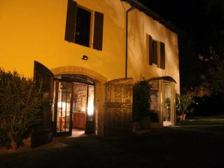 Room& Breakfast nel Borgo Scipione  entire house