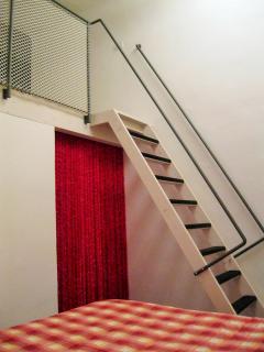 L'Officina - Via R. il Guiscardo 4 - Bari * Dimora Giulietta - soppalco