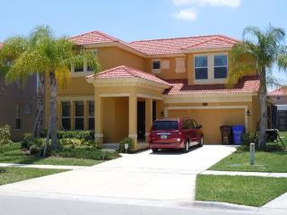 Immaculate 4 bedroom Disney Home, Kissimmee