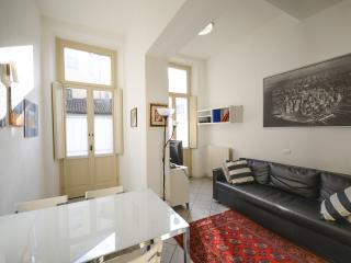 TWO BEDROOMS' FLAT WITH BALCONY, GARAGE AND WIFI!
