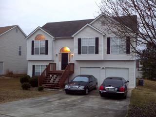 Amazing 5 bedroom 3 full bath split level house., Jonesboro