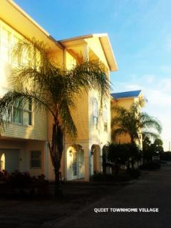 Florida Paradise Awaits -  2 bedroom town home. Cape Haze / Englewood . 2 minutes to Gulf of Mex.