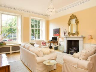Stunning A listed Apt, Excellent New Town Address, Edimburgo