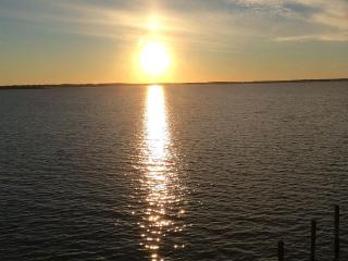 Wight Bay Condo with amazing  sunsets, Ocean City