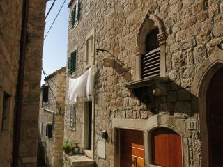 Sime's Guest House No.1. Down Town, Hvar