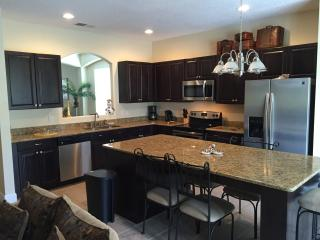 Elegant, luxury & affordable 7 Bed 5.5 bathrooms at prestigous Emerald Island, Kissimmee