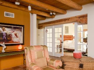Luxury vacation rental 10 min. from Ojo Caliente