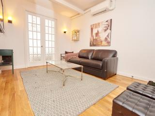 Charming 2 bedroom in the heart of Chinatown, New York City