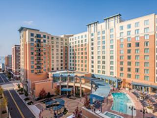 Wyndham National Harbor near the Potomac