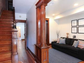 Fully Equipped House & Brief Walk To Metro, Washington D.C.