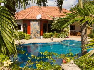 Villa Pattaya Hill with swimming pool