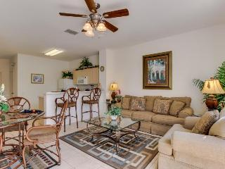 Kid-friendly rental 5 miles from Disney, shared pool & gym - snowbirds welcome!