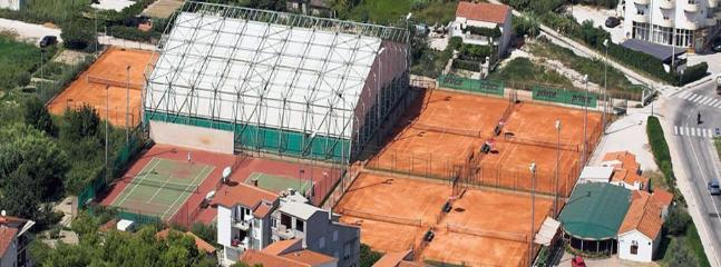 tennis courts in Stobrec