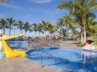 Luxury Beachfront Playa Royale Suite, Nuevo Vallarta