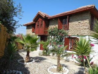 Detached Stone Villa Private Pools & Gardens, Side