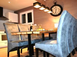Luxueux Chalet idéalement situé au calme - WIFI
