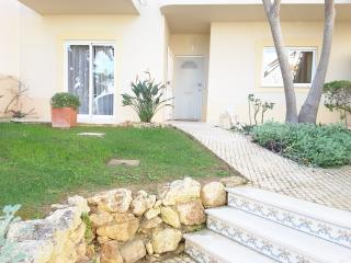 2 bed apartment with on site leisure facilities, Alvor
