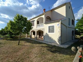 House for vaccation, Novigrad