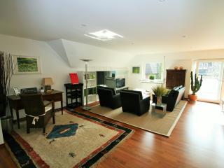 DG 90 qm gemütlicher Wohnbereich mit Südbalkon und Officebereich