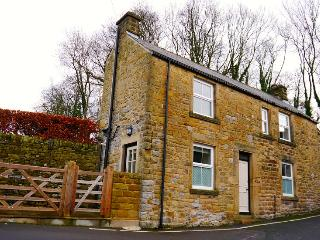 Stunning cottage with garden and parking, Eyam