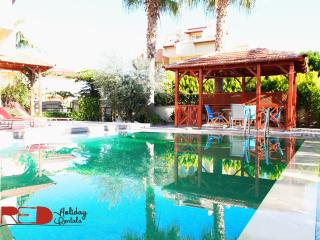 RED HOLIDAYS!! 4 BEDROOM VILLA WITH PRVT SWIM POOL, Belek