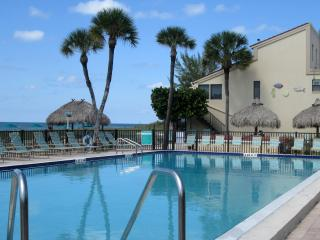 NEW SUMMER SPECIAL 25% off !! JULY/AUG~Gulf Breezes, Soft Sand! Your Beach Place