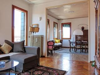 A spacious and central apartment for families!, Venice