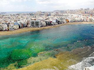 GREEN WATER AT THE BEACH, Las Palmas de Gran Canaria