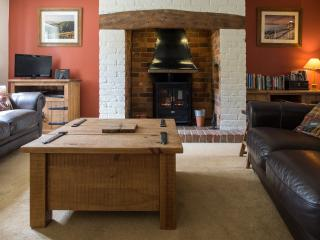 The warm and cosy lounge has TV with Sky, DVD player, wi-fi, I pod docking station, tourist guides