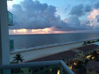 2/2 On the BEACH!  Fabulous Ocean View in LBTS, Pompano Beach
