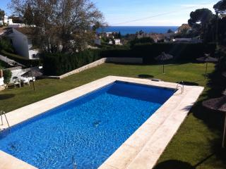 Lovely apartment with pool close to the beach, Benalmadena