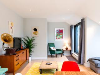 Brand New Apartment, Hanbury Street, E1, London