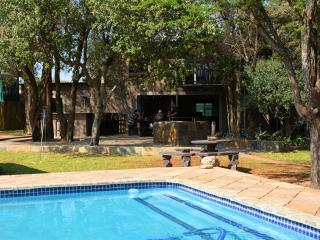 Mgankla Lodge Self-catering accommodation Brits