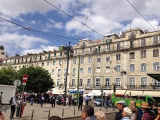 Lisbon Heart Apartments - White