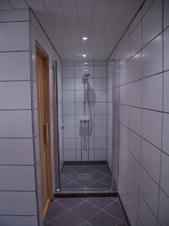 Shower apartment