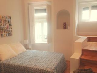Trendy, Charmy flat at Principe Real w/Patio, Lissabon