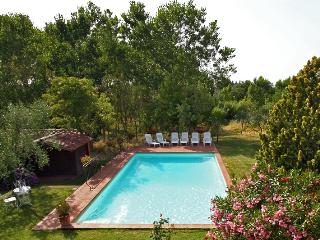 Family-Friendly Tuscan Villa with Private Pool - Villa Mirea