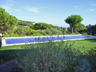 Stylish Villa with Attached Guest House on the French Riviera  - Villa La Nartelle, Sainte-Maxime
