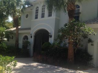 Gorgeous Million Dollar Courtyard Home, Boca Ratón
