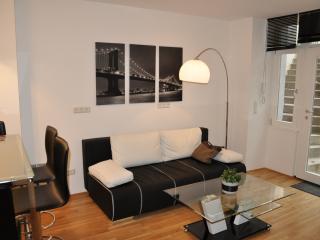 Apartment D'Alex New York In Berlin