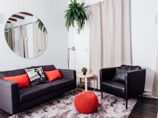 LeQube 102 One Bedroom Apartment, Montreal